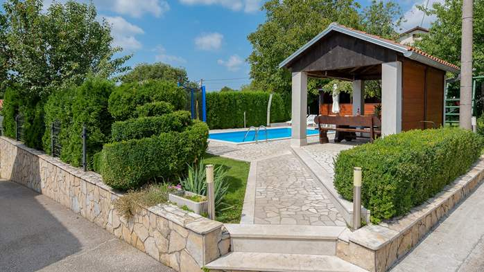 Villa with swimming pool, children playground, BBQ and 5 bedrooms, 8