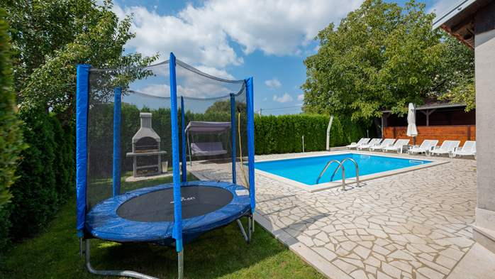Villa with swimming pool, children playground, BBQ and 5 bedrooms, 13