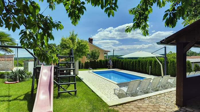 Villa with swimming pool, children playground, BBQ and 5 bedrooms, 2