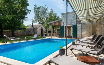 Beautiful villa, completely fenced, private pool, WiFi