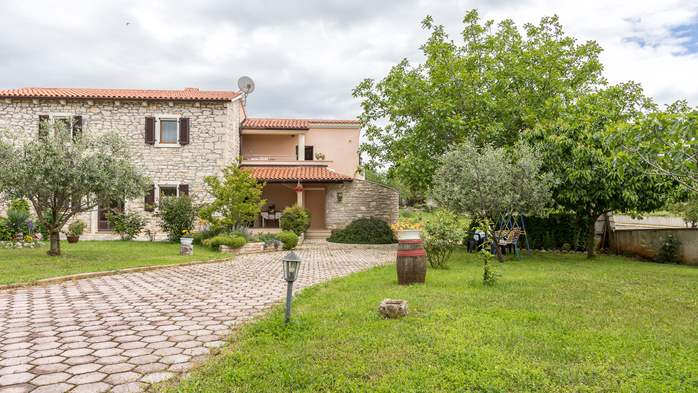 Beautiful Istrian house with landscaped garden, BBQ, parking, 18