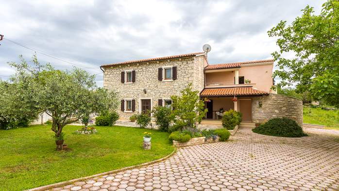 Beautiful Istrian house with landscaped garden, BBQ, parking, 15