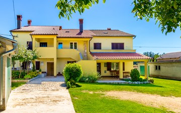 Semi-detached house for 7 persons, shared garden, Wi-Fi