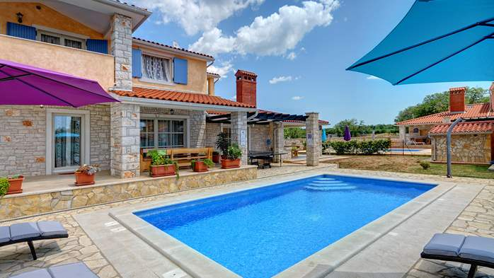 Two-storey villa, with swimming pool, sun terrace, WiFi, 11