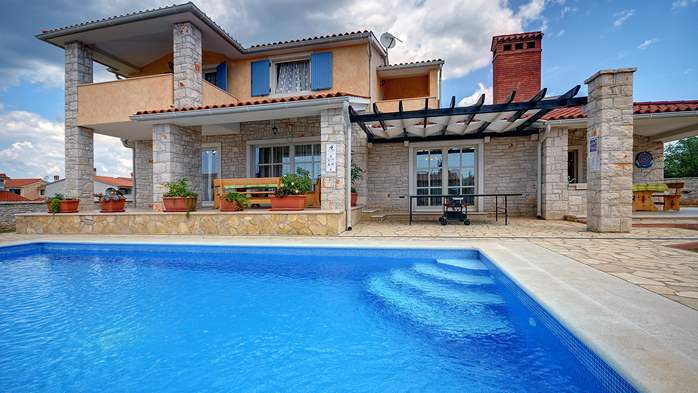 Two-storey villa, with swimming pool, sun terrace, WiFi, 2