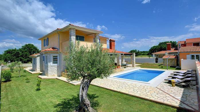 Two-storey villa, with swimming pool, sun terrace, WiFi, 1
