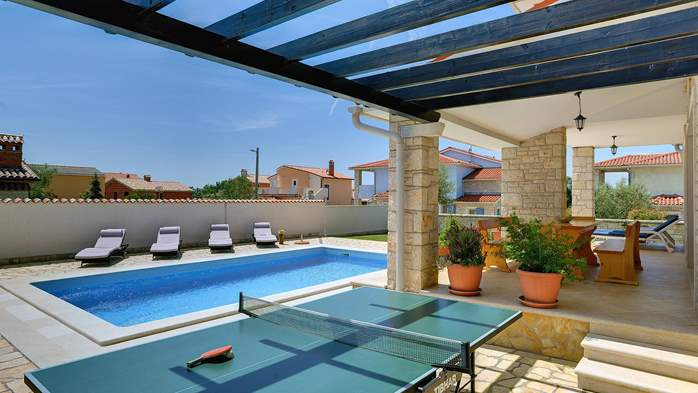 Two-storey villa, with swimming pool, sun terrace, WiFi, 9