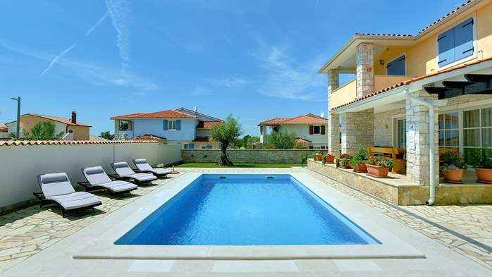 Two-storey villa, with swimming pool, sun terrace, WiFi, 3