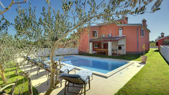 Villas with pool Villa Prisadi