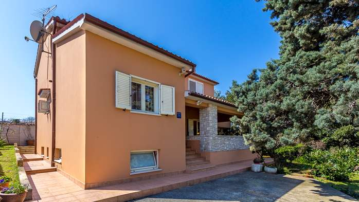 Stylish house with 4 bedrooms, garden, Wi-Fi, 2