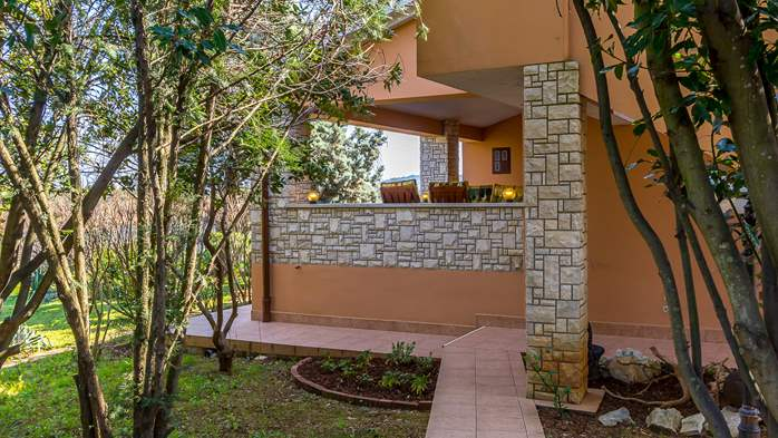 Stylish house with 4 bedrooms, garden, Wi-Fi, 7