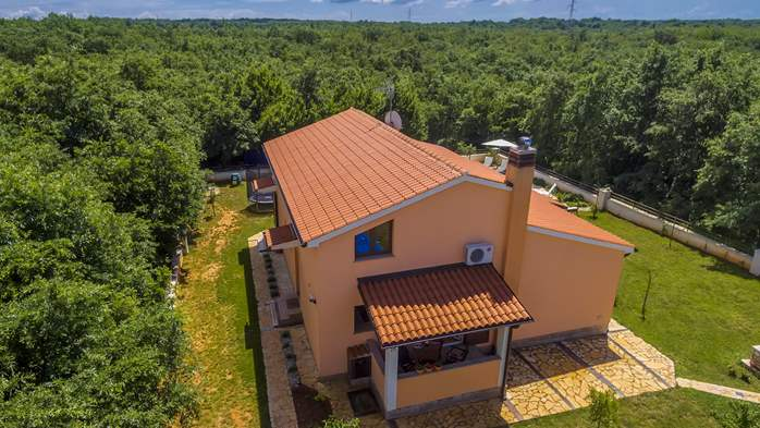Villa with five bedrooms and private heated pool, 6