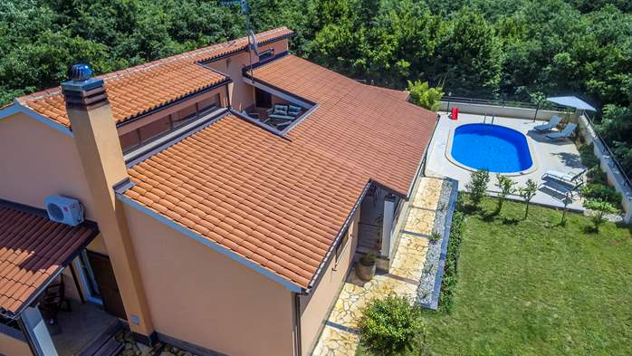 Villa with five bedrooms and private heated pool, 5