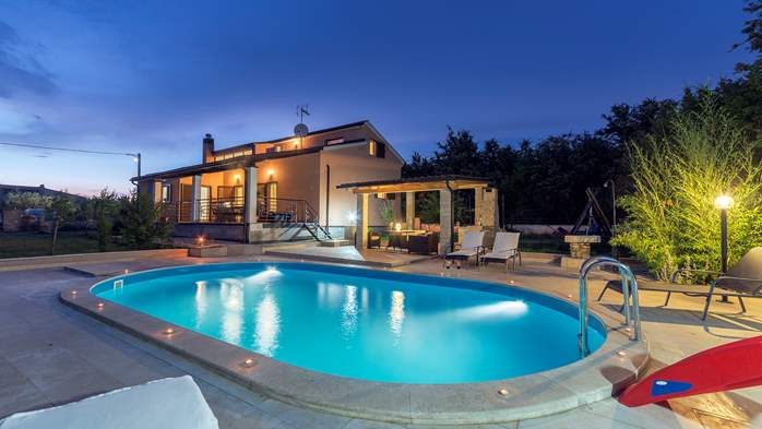 Villa with five bedrooms and private heated pool, 1