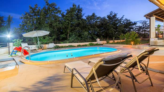 Villa with five bedrooms and private heated pool, 14
