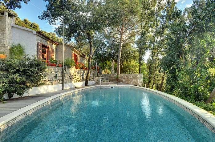 Villas with pool in Krnica