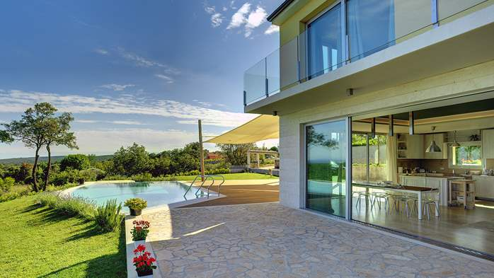 Villa with infinity pool, glass sauna,terrace and unique sea view, 2