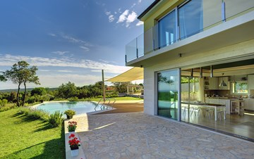 Villa with infinity pool, glass sauna,terrace and unique sea view
