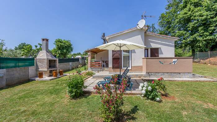 Cozy house in Medulin with fenced garden, barbecue, parking place, 4