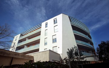 Modern building offers luxury accommodation in Pula city centre