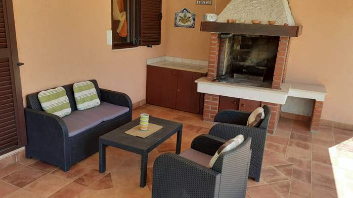 Pet friendly house with pool with sea water, volleyball, Wi-fi, 11
