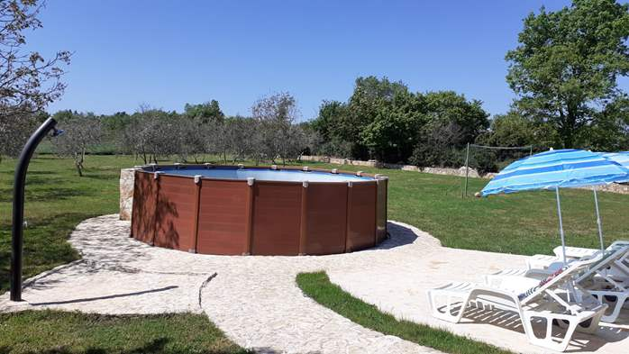 Pet friendly house with pool with sea water, volleyball, Wi-fi, 10