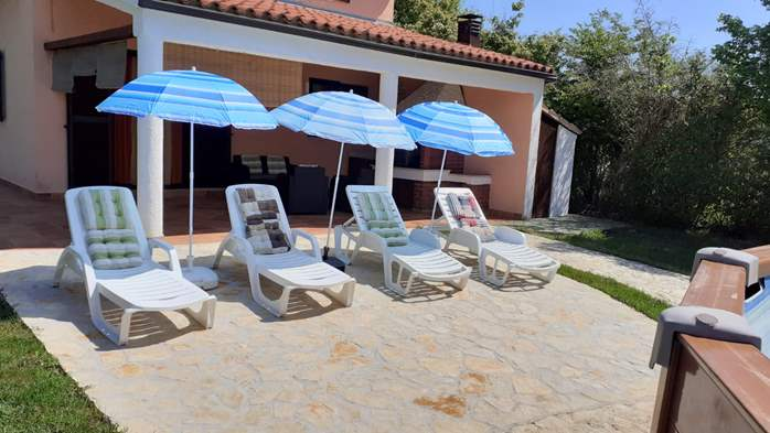 Pet friendly house with pool with sea water, volleyball, Wi-fi, 4