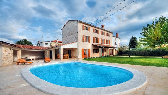 Classy villa with private pool, sauna, sun terrace, Wi-Fi, SAT-TV, 8