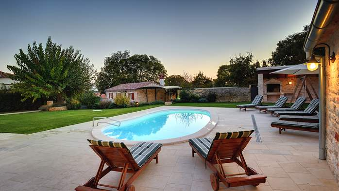 Classy villa with private pool, sauna, sun terrace, Wi-Fi, SAT-TV, 3