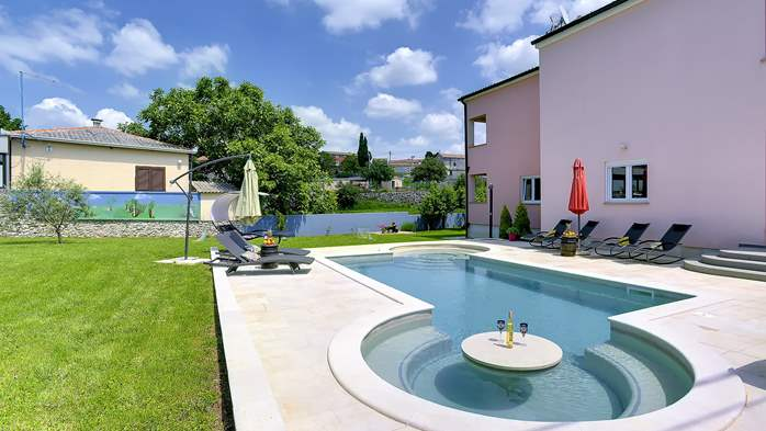 Delightful villa on two floors with heated pool, sauna and gym, 2