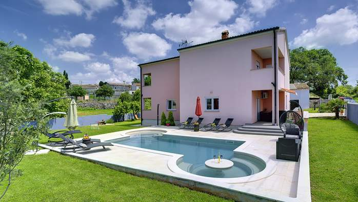 Delightful villa on two floors with heated pool, sauna and gym, 1
