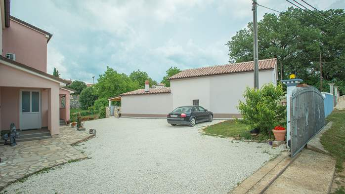Delightful villa on two floors with heated pool, sauna and gym, 10