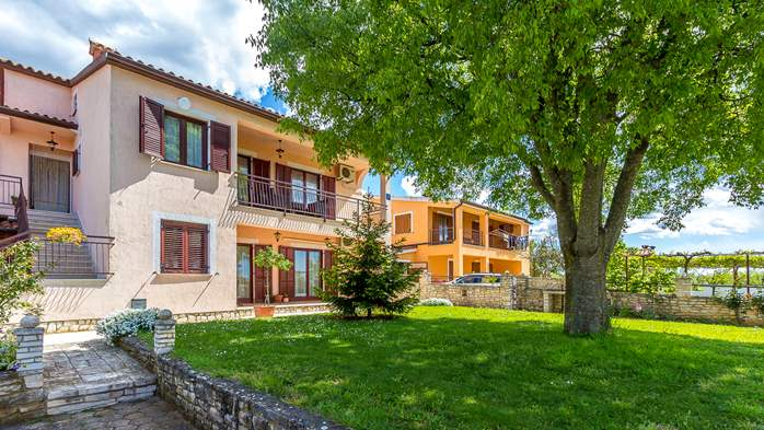 Lovely house on fenced plot in rural Istria, with charming garden, 16