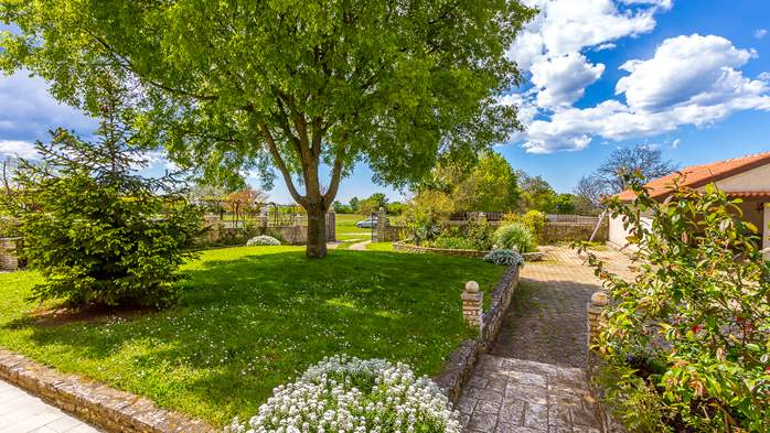 Lovely house on fenced plot in rural Istria, with charming garden, 17