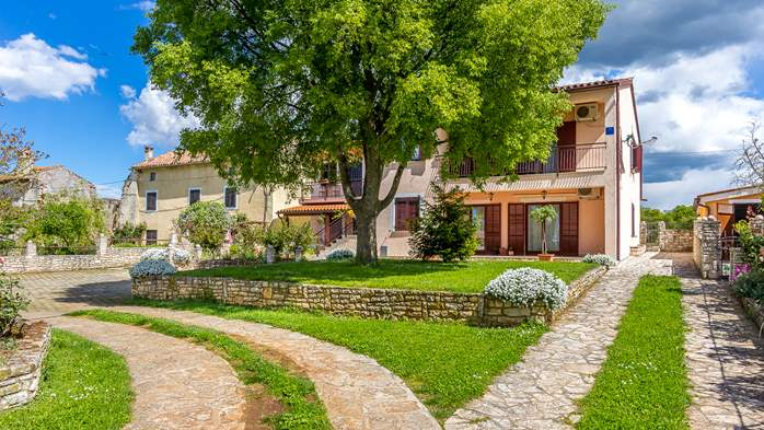Lovely house on fenced plot in rural Istria, with charming garden, 18