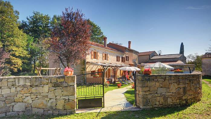 Villa on 2 floors, with pool and terrace in central Istria, 4