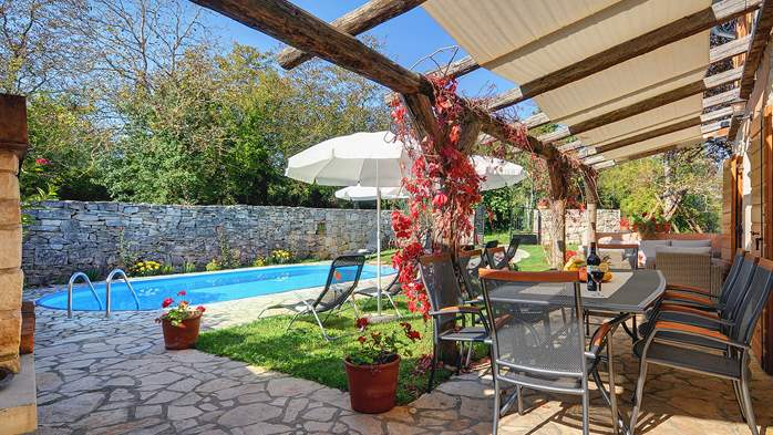 Villa on 2 floors, with pool and terrace in central Istria, 1