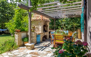 Villa decorated in retro style, with private pool, in Medulin