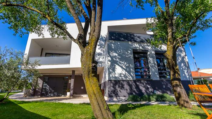 Modern house in Štinjan presents nice apartments with terrace, 8