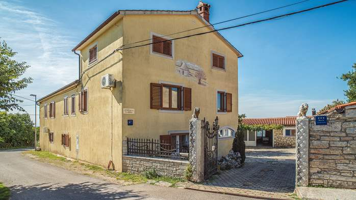Beautiful rural oasis with apartments in quiet location in Istra, 30