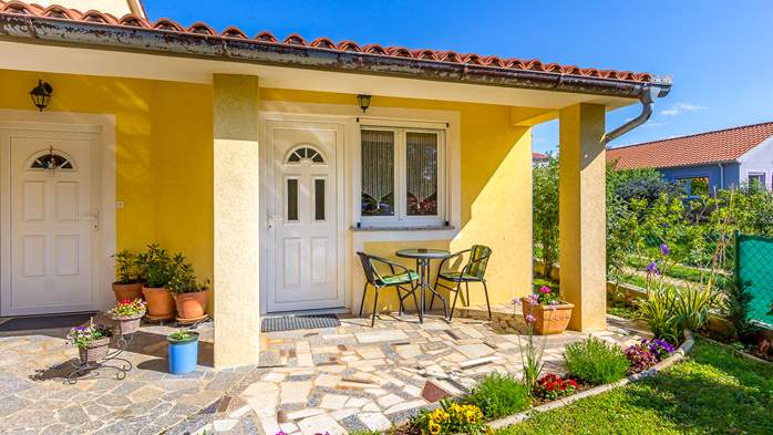 Charming house in garden offers nice accomodation in Ližnjan, 10