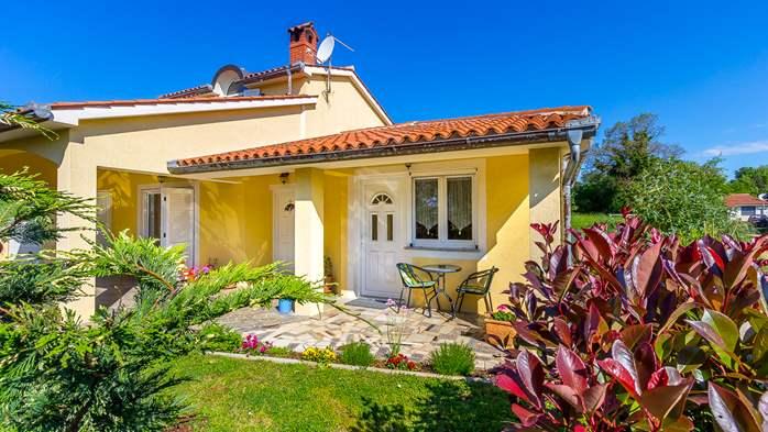 Charming house in garden offers nice accomodation in Ližnjan, 9