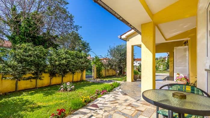 Charming house in garden offers nice accomodation in Ližnjan, 11