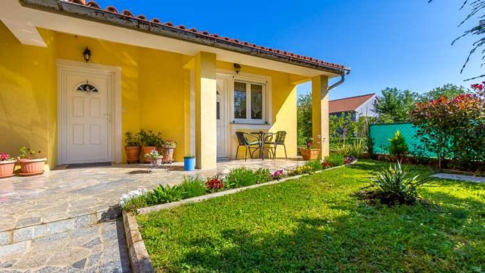Charming house in garden offers nice accomodation in Ližnjan, 12
