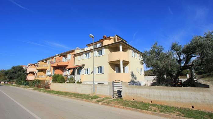 Lovely house offers accommodation in nicely furnished apartments, 21