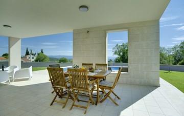 Stunning modern villa, private pool, WiFi, sea view