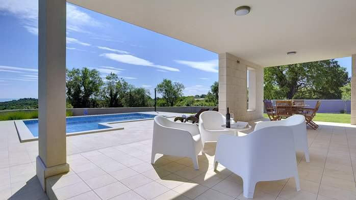 Stunning modern villa, private pool, WiFi, sea view, 9
