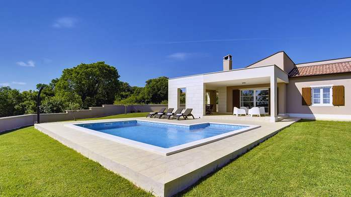 Stunning modern villa, private pool, WiFi, sea view, 4