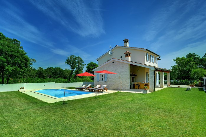 Villas with pool Villa Azzurra