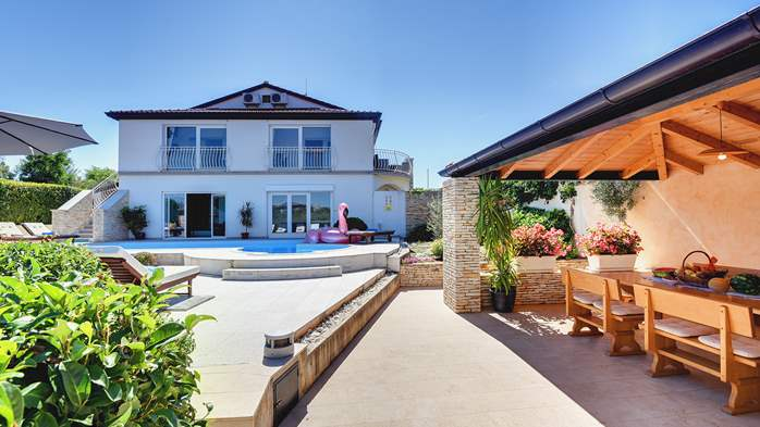 Luxury villa with pool with whirlpool, sauna, jacuzzi and gym, 6